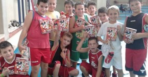 I diari Minibasket consegnati qui al gruppo Aquilotti 2005